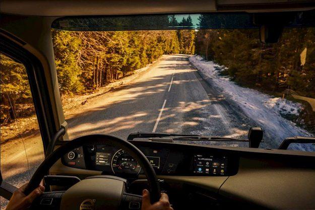 kamioni-sigurnost-volvo-trucks-novi-sistemi-podrske-vozacima-volvo-dynamic-steering-2018-proauto-07