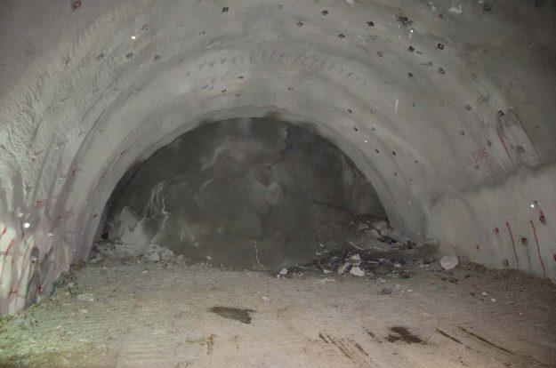koridor-5c-probijena-lijeva-cijev-tunela-pecuj-2018-proauto-01