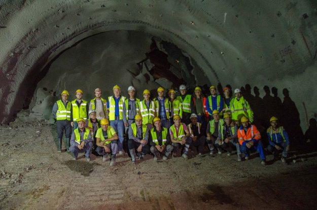 koridor-5c-probijena-lijeva-cijev-tunela-pecuj-2018-proauto-04