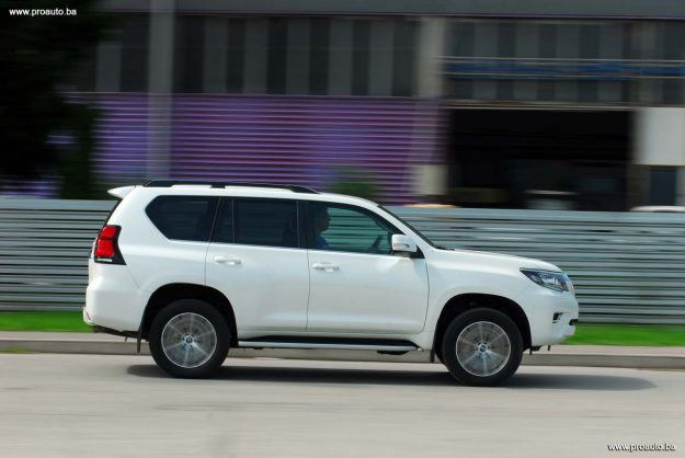 test-toyota-land-cruiser-d-4d-awd-executive-6at-euro6-5vrata-2018-proauto-29