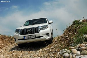 test-toyota-land-cruiser-d-4d-awd-executive-6at-euro6-5vrata-2018-proauto-41