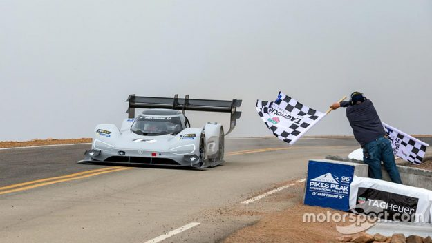 volkswagen-i-d-r-pikes-peak-record-pikes-peak-international-hill-climb-2018-proauto-01