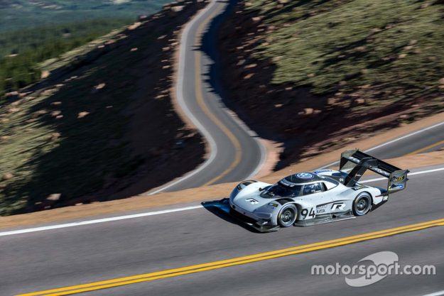 volkswagen-i-d-r-pikes-peak-record-pikes-peak-international-hill-climb-2018-proauto-05