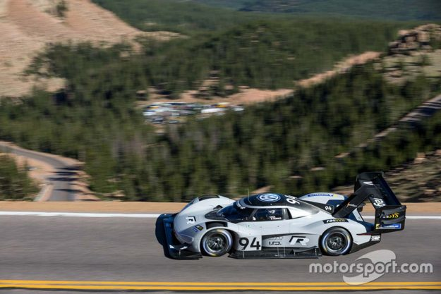 volkswagen-i-d-r-pikes-peak-record-pikes-peak-international-hill-climb-2018-proauto-06