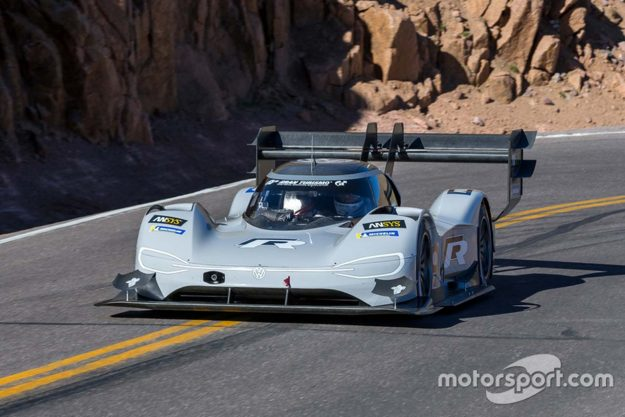 volkswagen-i-d-r-pikes-peak-record-pikes-peak-international-hill-climb-2018-proauto-07
