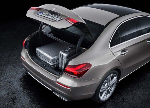 mercedes-benz-a-class-sedan-2018-proauto-10