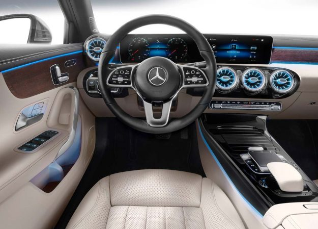 mercedes-benz-a-class-sedan-2018-proauto-13