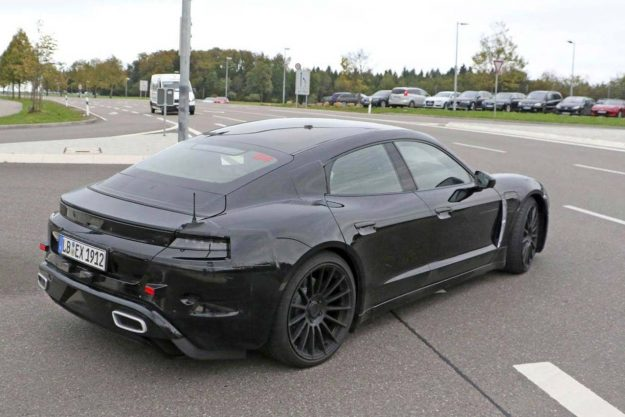 porsche-taycan-spy-photo-spec-2018-proauto-02