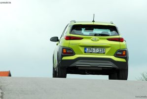 test-hyundai-kona-10-t-gdi-6mt-2wd-love-it-2018-proauto-66
