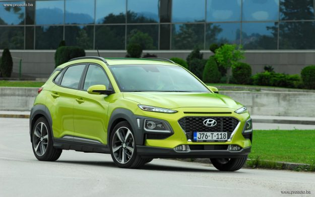 test-hyundai-kona-10-t-gdi-6mt-2wd-love-it-2018-proauto-68