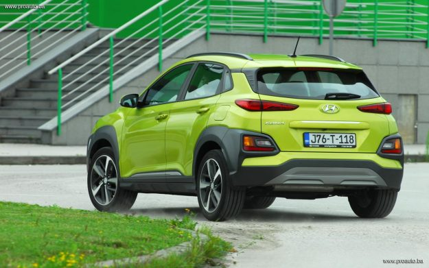 test-hyundai-kona-10-t-gdi-6mt-2wd-love-it-2018-proauto-71