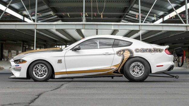 ford-mustang-cobra-jet-50th-anniversary-2018-proauto-03