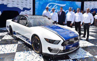 Ford Mustang se priprema za NASCAR