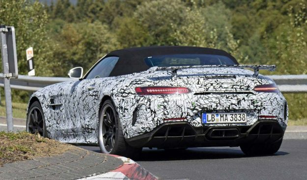 mercedes-amg-gt-r-roadster-nurburgring-spy-photo-2018-proauto-03