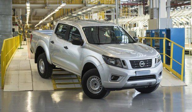 nissan-expands-navara-production-as-global-pickup-demand-grows-2018-proauto-02
