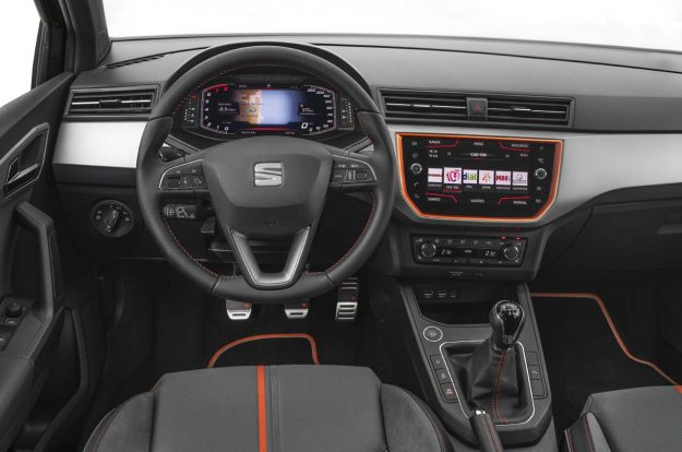 seat-introduces-its-digital-cockpit-to-the-arona-and-ibiza-2018-proauto-05