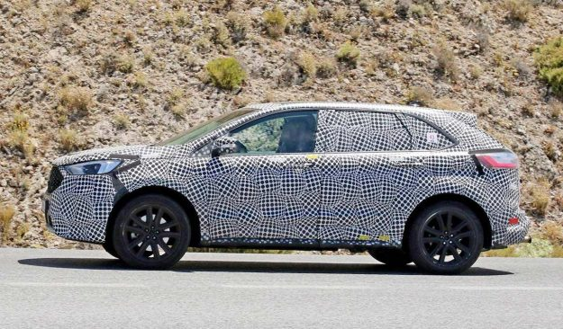 spied-european-ford-edge-prototype-looks-unfinished-2018-proauto-04