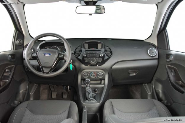 test-ford-ka+119i-trend-m5-2018-proauto-25