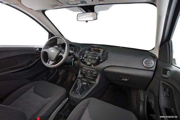 test-ford-ka+119i-trend-m5-2018-proauto-26