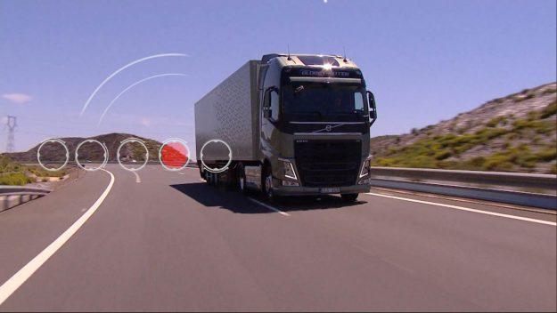 kamioni-volvo-trucks-nove-metode-za-pracenje-i-analizu-kriticnih-komponenti-2018-proauto-02