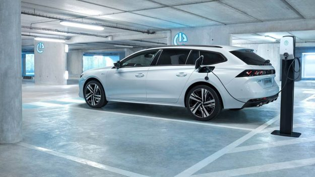 peugeot-508-508-sw-and-3008-phev-2018-proauto-06