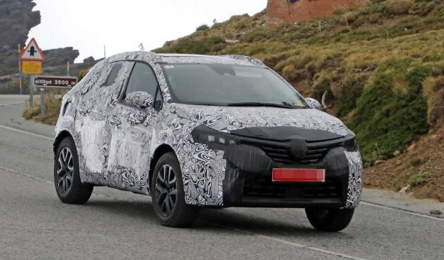 renault-clio-suv-spy-photo-2018-proauto-01