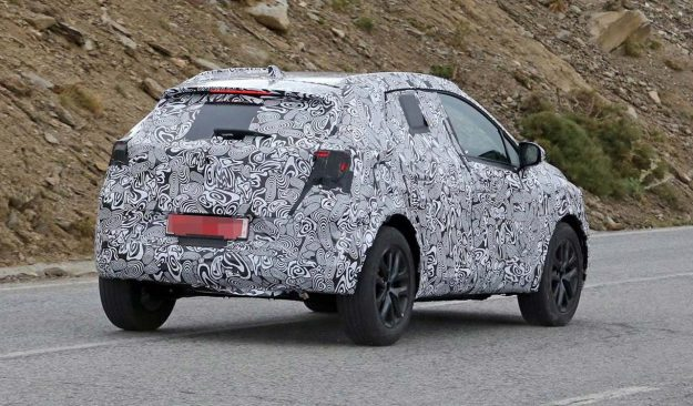 renault-clio-suv-spy-photo-2018-proauto-03