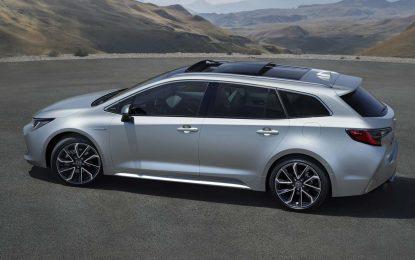 Sa novom Toyotom Corollom Touring Sports, koja biće prikazana u oktobru na Sajmu automobila u Parizu, Toyota označava i debi svoje nove hibridne strategije