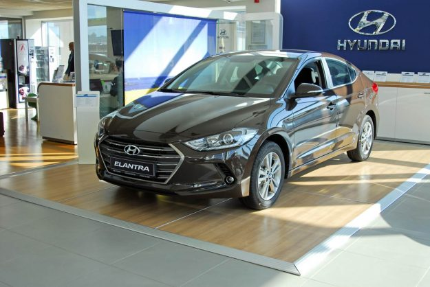 Hyundai Elantra, cijena 26.990 KM, rata 297 KM