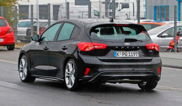 ford-focus-st-spied-naked-spy-photo-2018-proauto-04