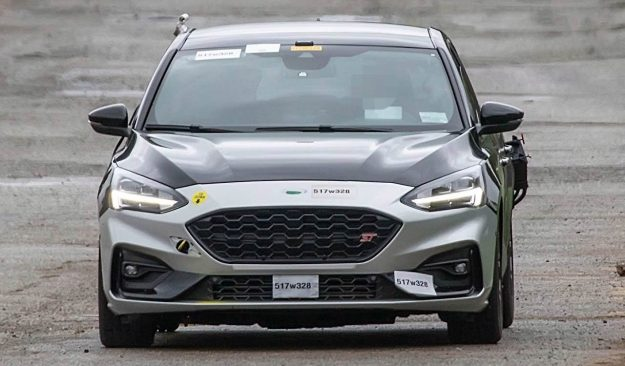ford-focus-st-spy-photo-2018-proauto-01