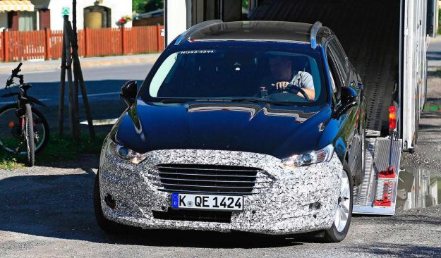 ford-mondeo-wagon-hybrid-spy-photo-2018-proauto-01