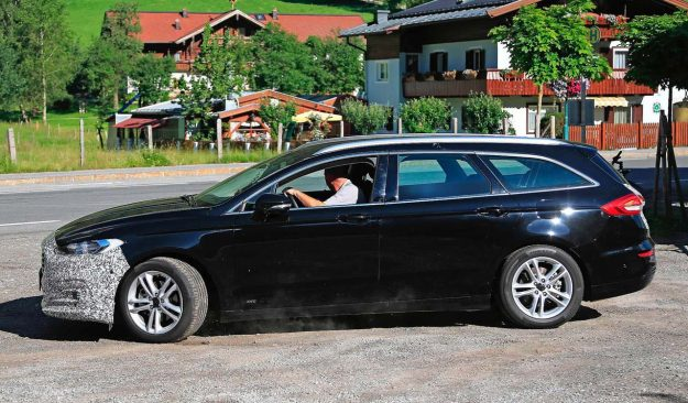 ford-mondeo-wagon-hybrid-spy-photo-2018-proauto-04