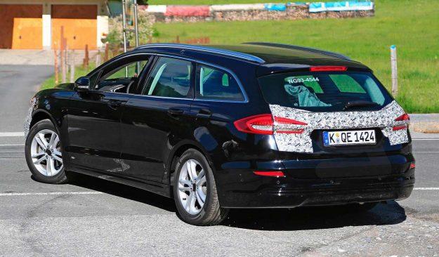 ford-mondeo-wagon-hybrid-spy-photo-2018-proauto-07