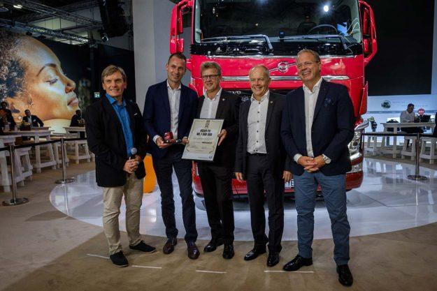 isporucen-milioniti-kamion-volvo-fh-2018-proauto-01