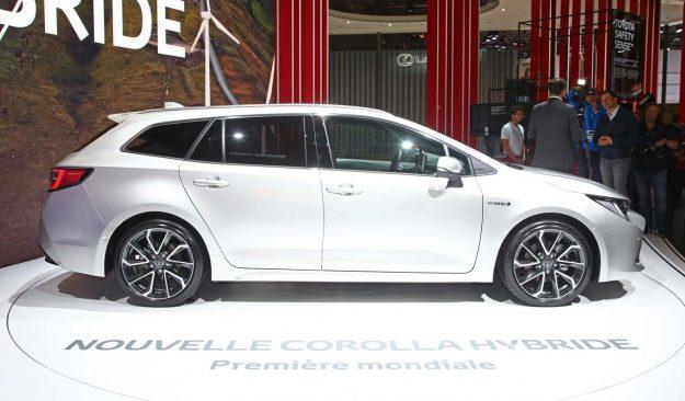 toyota-corolla-and-corolla-ts-hybrid-2018-proauto-12