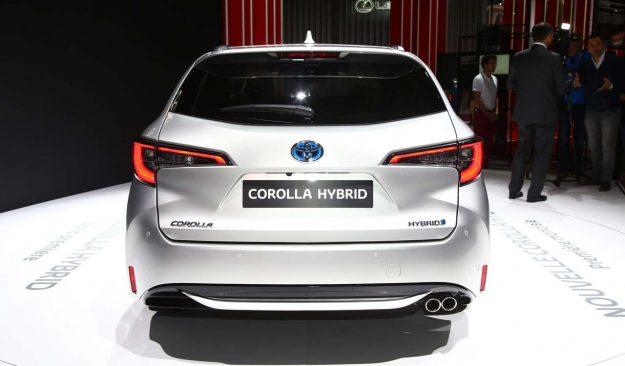 toyota-corolla-and-corolla-ts-hybrid-2018-proauto-14