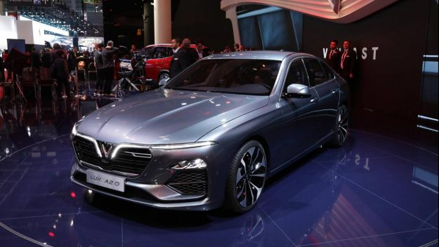 vinfast-a20-sedan-and-vinfast-sa20-suv-sajam-2018-proauto-01