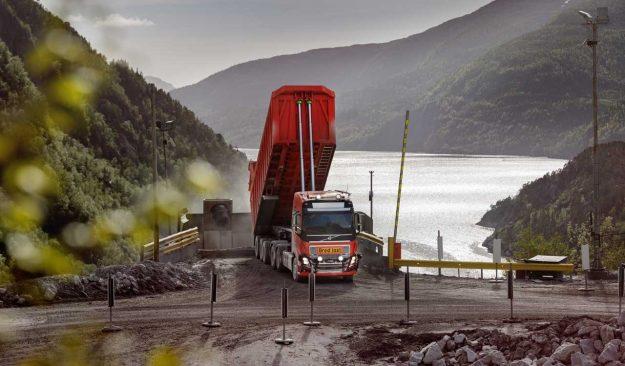kamioni-volvo-trucks-autonomous-volvo-fh-bronnoy-kalk-as-2018-proauto-03