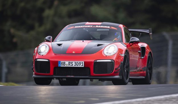 porsche-911-gt2-rs-mr-manthey-racing-nurburgring-record-2018-proauto-02