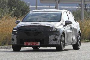 Novi Renault Clio još uvijek pod kamuflažom