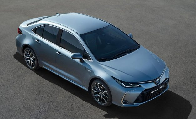 Atraktivna Sedan limuzina proširila ponudu Toyote Corolle Hybrid [Galerija i Video]