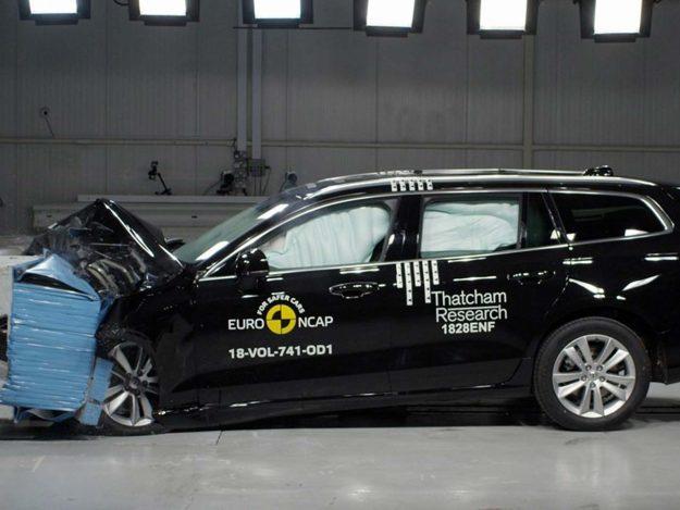 sigurnost-euroncap-test-volvo-s60-v60-testing-2018-proauto-01