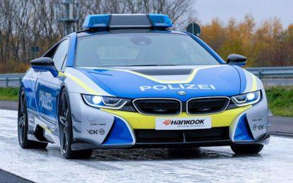 AC Schnitzer sa prerađenim BMW i8 pokazuje kako bi trebao izgledati policijski automobil [Galerija i Video]