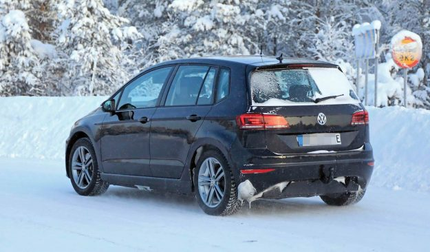 volkswagen-golf-sportsvan-ev-spy-photo-2019-proauto-05
