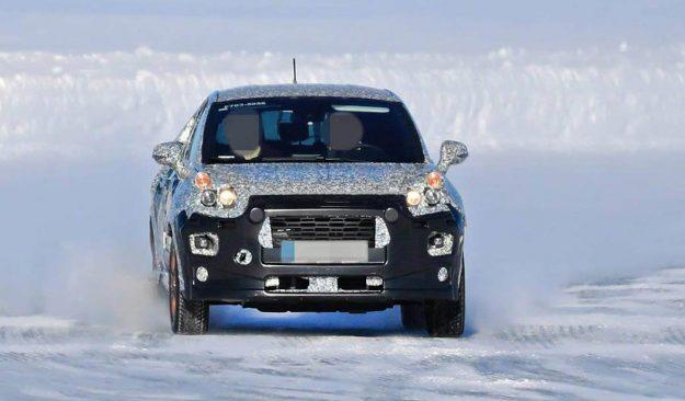 ford-fiesta-crossover-winter-test-spy-photo-2019-proauto-01
