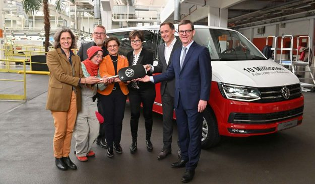 volkswagen-commercial-vehicles-hannover-proizvodnja-10-miliona-vozila-2019-proauto-02