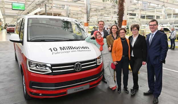 volkswagen-commercial-vehicles-hannover-proizvodnja-10-miliona-vozila-2019-proauto-03