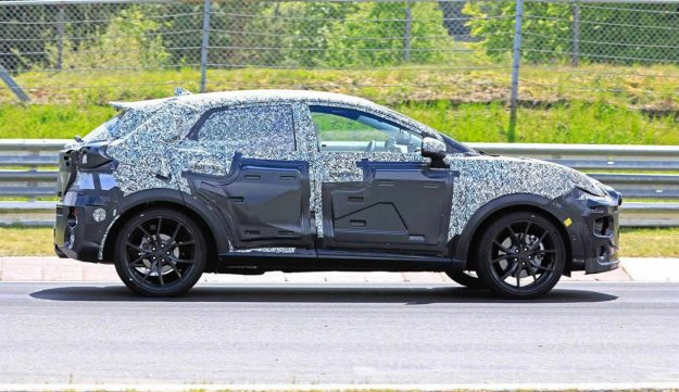 ford-puma-st-crossover-nurburgring-spy-photo-2019-proauto-02