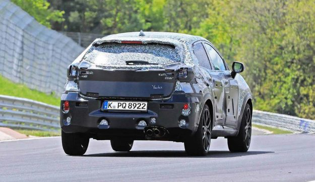 ford-puma-st-crossover-nurburgring-spy-photo-2019-proauto-03